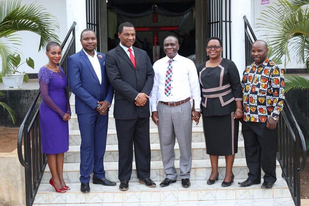 Bishop Kameta and wife hosting Bishop Nwaka in Mwanza